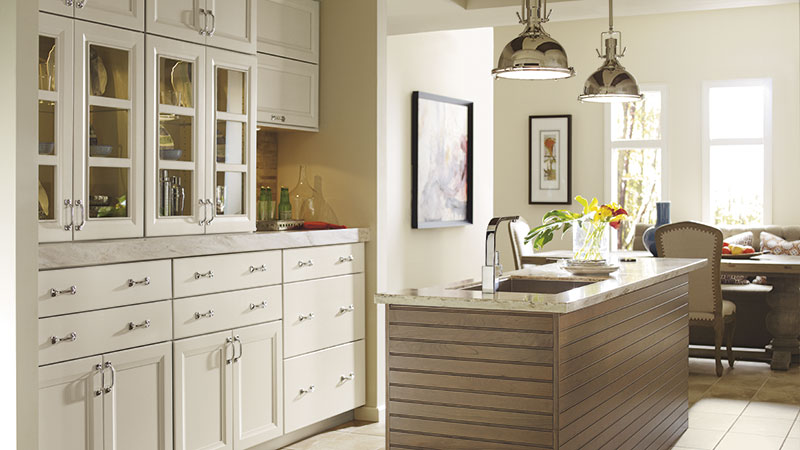 Cayhill kitchen cabinets in Maple Magnolia with a Cherry Riverbed island