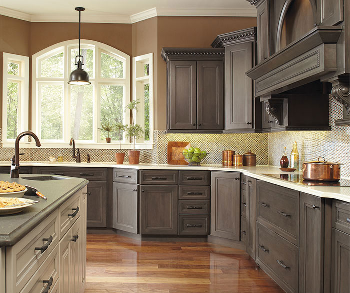 Casual Hollibrune kitchen with a large kitchen island