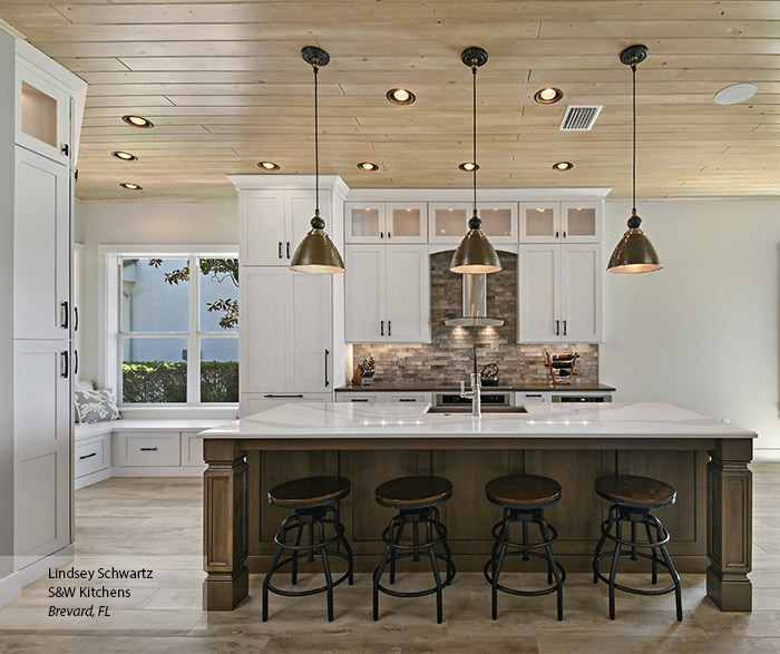 Painted Oak kitchen cabinets in Pearl with a Riverbed kitchen island