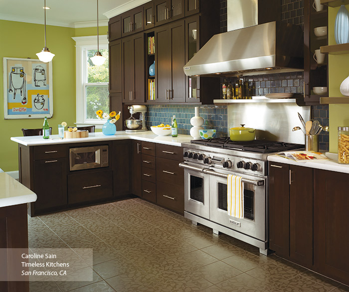 Plainfield Shaker style cabinets in a contemporary kitchen