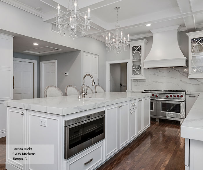 transitional_maple_kitchen_cabinets_in_pearl_3