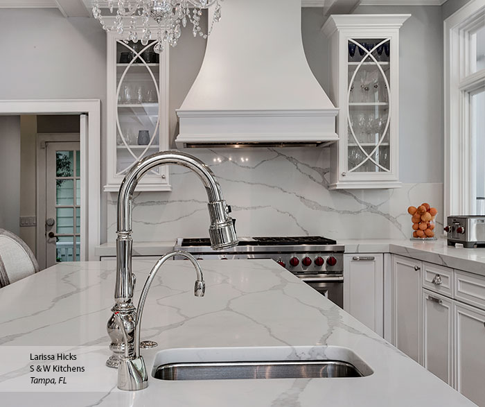 transitional_maple_kitchen_cabinets_in_pearl_4