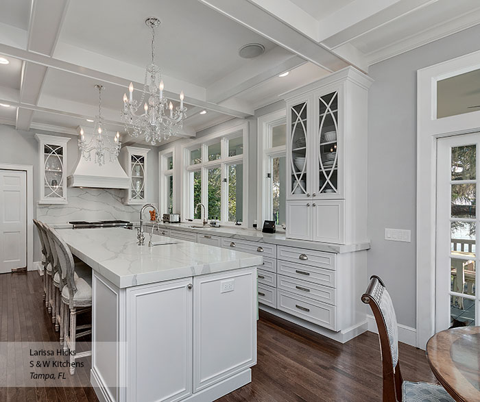 transitional_maple_kitchen_cabinets_in_pearl_5