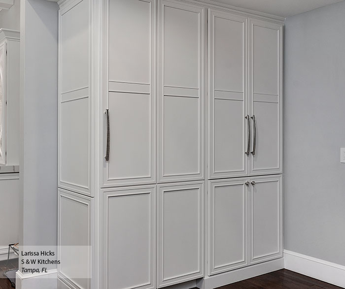 transitional_maple_kitchen_cabinets_in_pearl_6