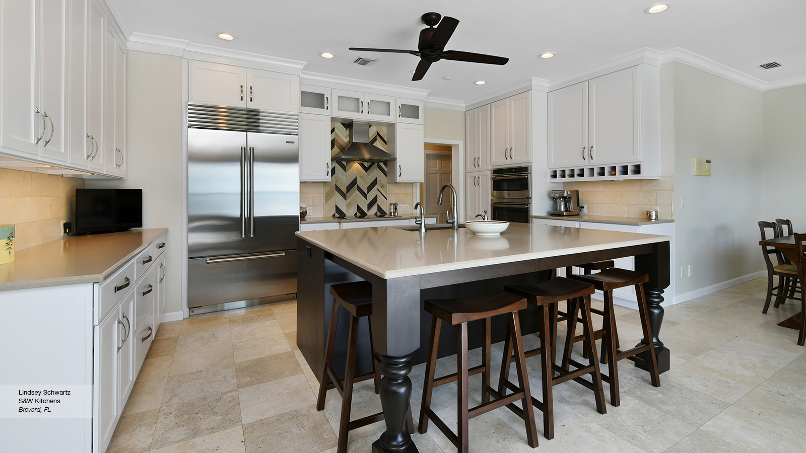 Pearl White Shaker Cabinets in a Casual Kitchen - Omega