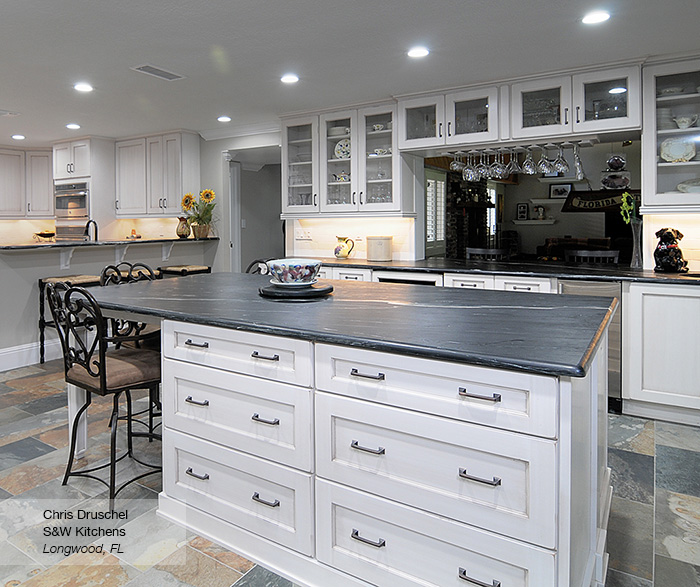 Renner Shaker Style Cabinet Doors - Omega Cabinetry