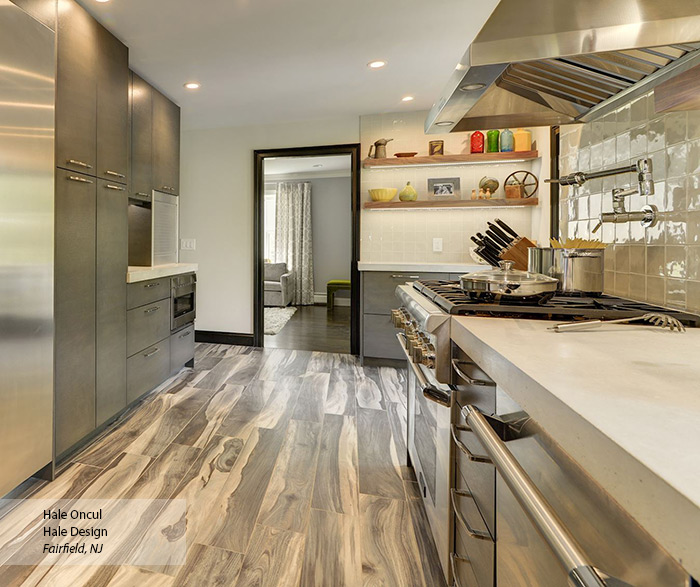 Contemporary Quartersawn Oak Kitchen Cabinets