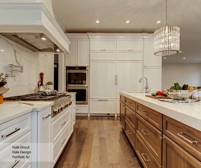 casual_white_maple_and_walnut_kitchen_cabinets_3
