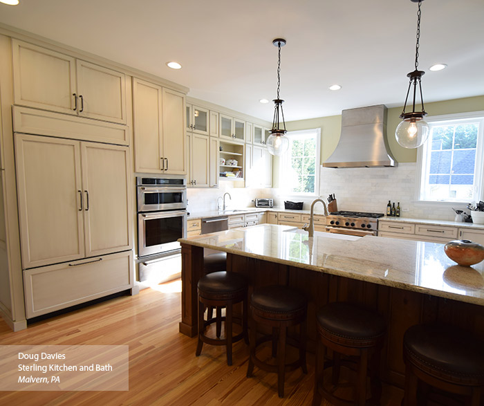 Glazed kitchen cabinets omega cabinetry for Casual home kitchen island