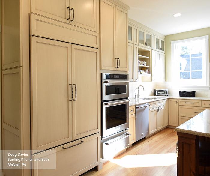 Glazed Kitchen Cabinet Doors: Woodward Cabinet Door Style