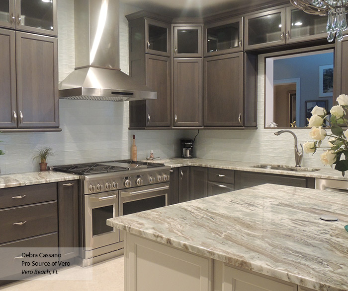 White Kitchen Cabinets With Grey Island: Off White Shaker Cabinets In A Contemporary Kitchen