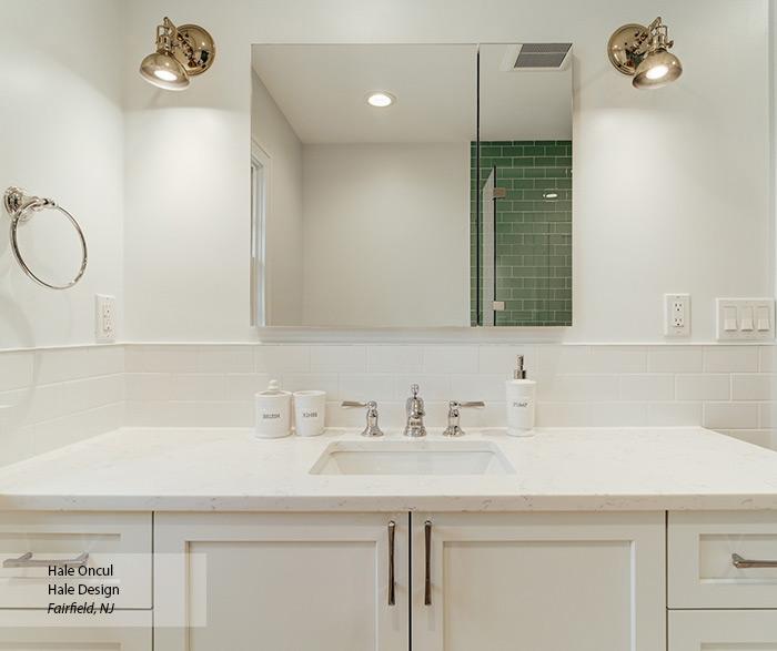 casual_maple_white_bathroom_cabinets_2