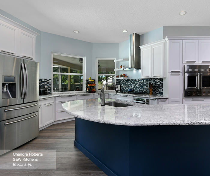 Cayhill kitchen cabients in maple pearl with island in blue lagoon
