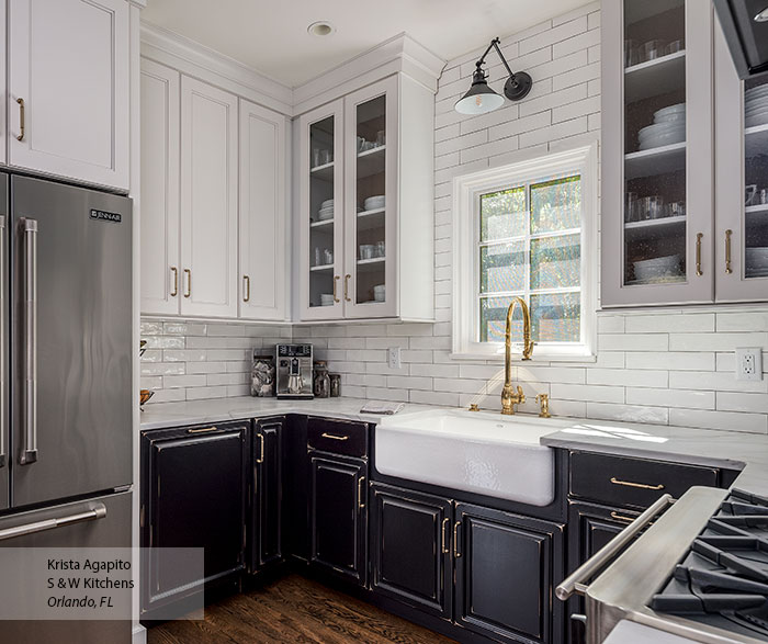 transitional_black_maple_kitchen_cabinets_in_custom_finish_6