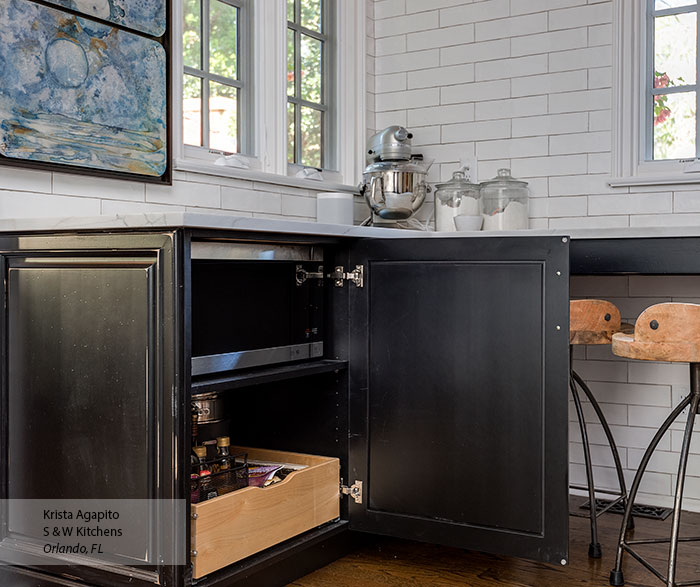 transitional_black_maple_kitchen_cabinets_in_custom_finish_9
