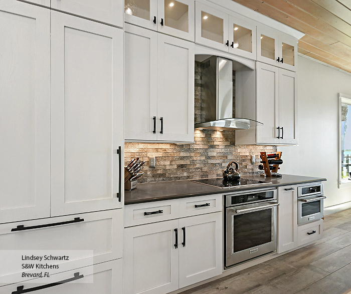 Painted Oak kitchen cabinets in Pearl