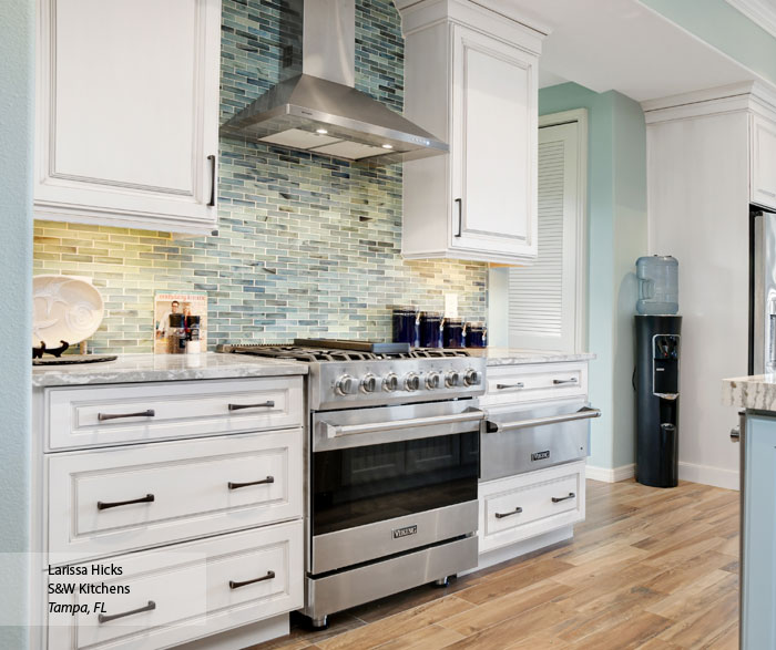 Venice MDF cabinets in an open kitchen